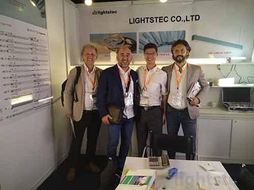 lighting-show-for-led-strip-light-supplier-led-tape-light-manuafcturer-led-aluminum-profile-wholesaleled-extrusion-supplierled-linear-light-customer-and-supplier-meeting-lightstec-12