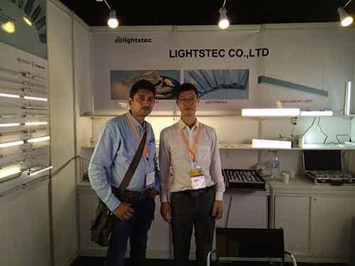 lighting-show-for-led-strip-light-supplier-led-tape-light-manuafcturer-led-aluminum-profile-wholesaleled-extrusion-supplierled-linear-light-customer-and-supplier-meeting-lightstec-1