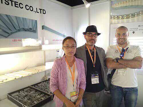lighting-show-for-led-strip-light-supplier-led-tape-light-manuafcturer-led-aluminum-profile-wholesaleled-extrusion-supplierled-linear-light-customer-and-supplier-meeting-lightstec-2