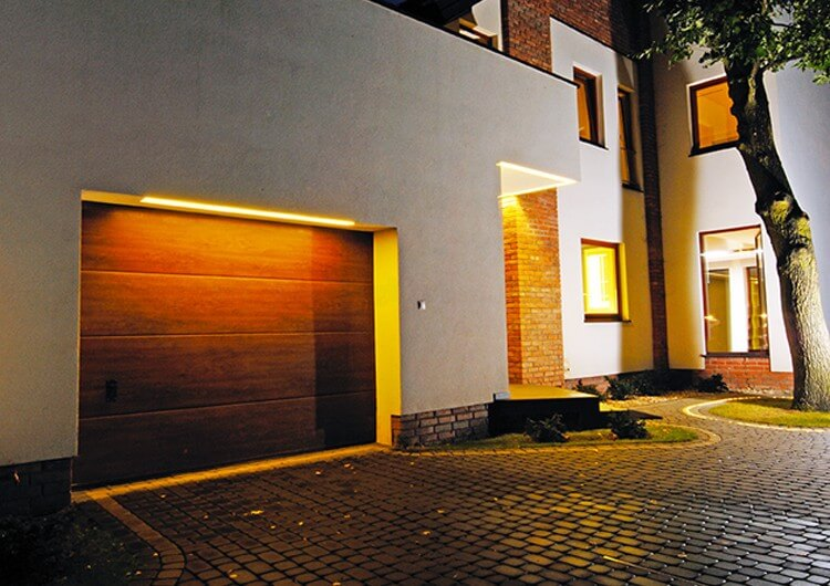 profile in gate and entrance lighting