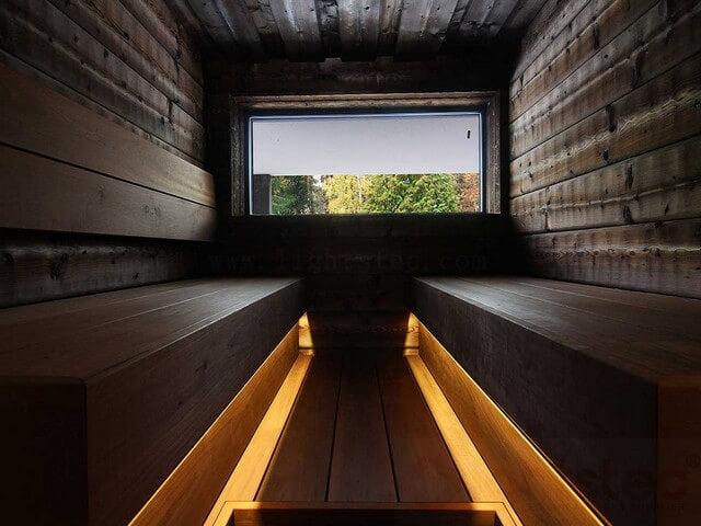 strip light under cabinet