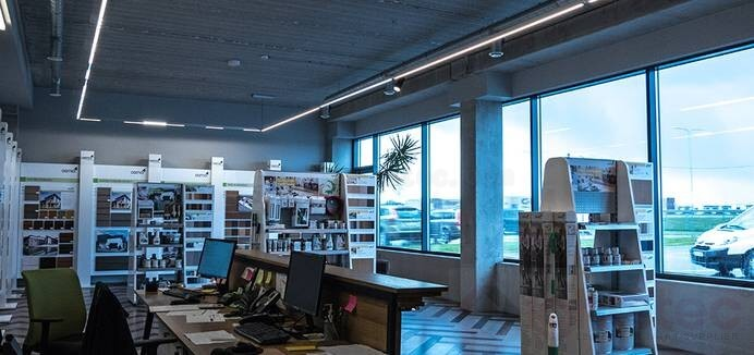 led linear light use in showroom lighting (3)