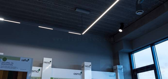 led linear light use in showroom lighting (5)