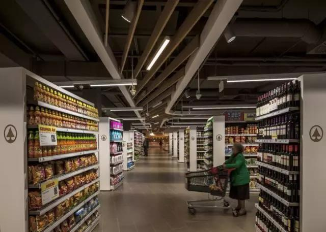 led linear light use in supermarket 4