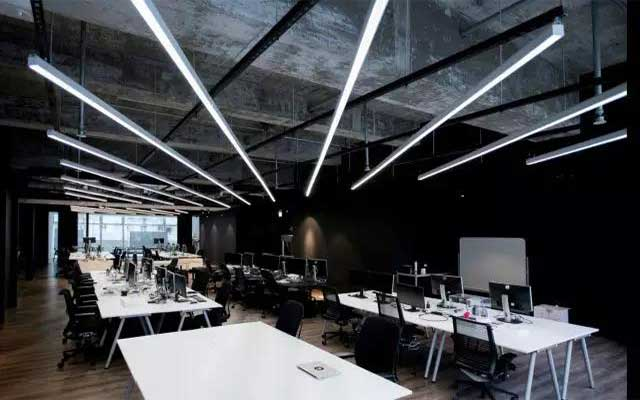 linear-light-use-in-office-3