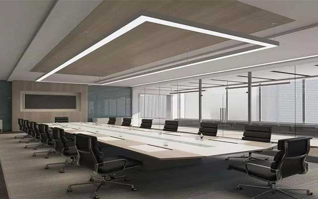 linear-light-use-in-office