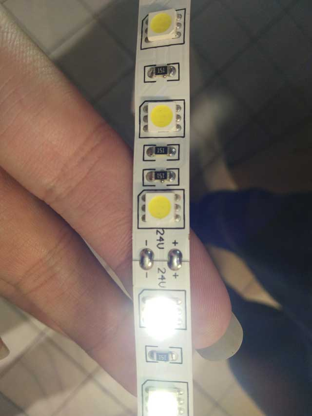 DC24V-led-strip-light-connect-to-AC220V--5