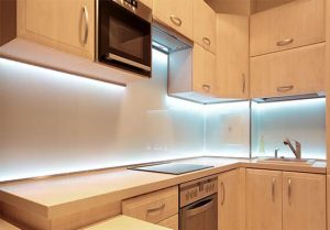 led-cabinet-light-in-kitchen