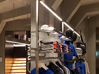 led-linear-light-using-in-clothes-shop