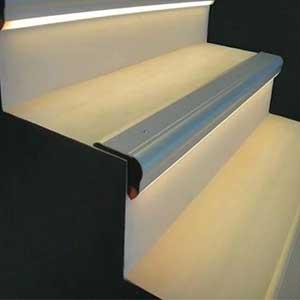 led-strip-light-ideas-stair-lighting