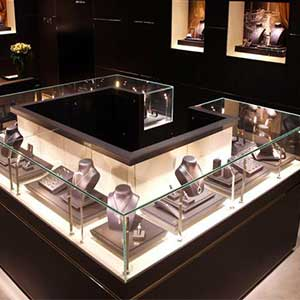 strip-light-ideas-jewelry-case-light