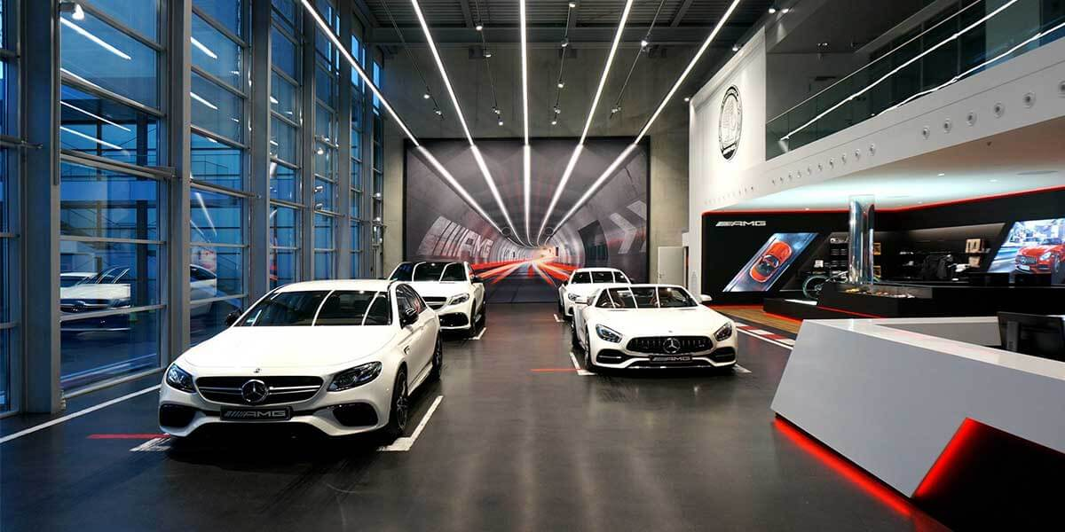 BENZ-NEW-CAR-SHOWROOM-WITH-LED-LINEAR-LIGHT