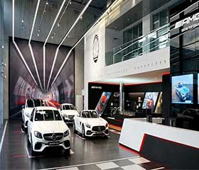 LED-LINEAR-LIGHT-IN-CAR-SHOWROOM