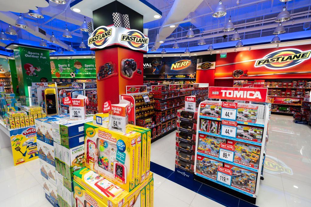 led strip light in toysrus store 5