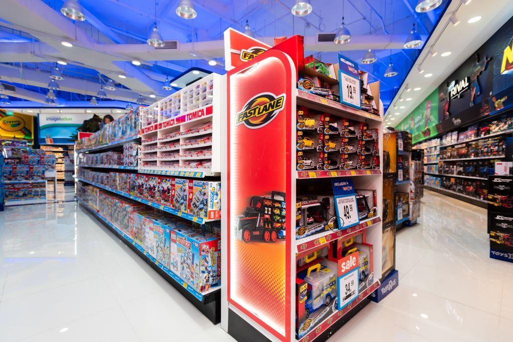 led strip light in toysrus store 7