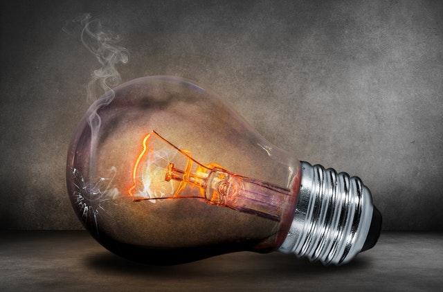 light-bulb-catch-fire